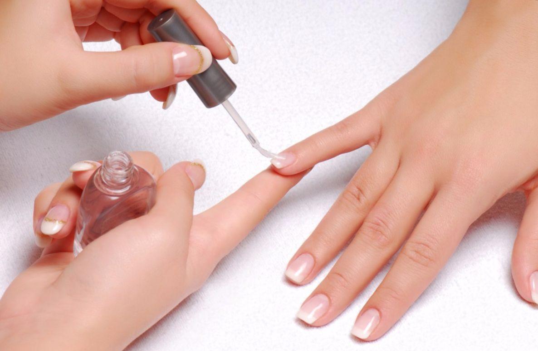 У ребёнка слоятся ногти: возможные причины и методы лечения